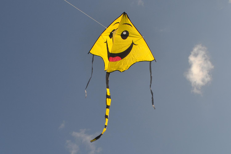 Хвостатый Смайлик воздушный змей от ФКайт